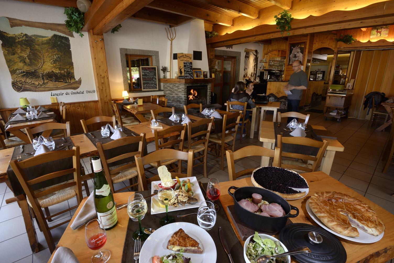 Auberge le Couchetat, restaurant, La Bresse, Les Vosges, spécialités montagnardes, raclette, fondue, spécialités Vosgiennes, gastronomie, réservations, carte et menus